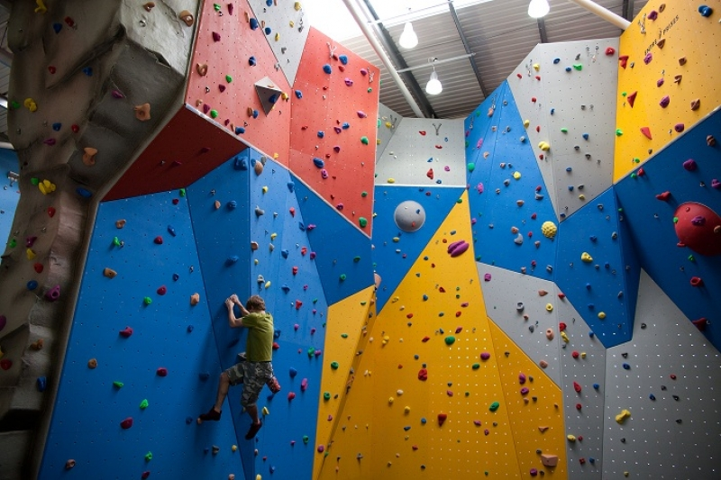 Climbing Wall Design Company : Lincolnshire s largest climbing wall from the ymca